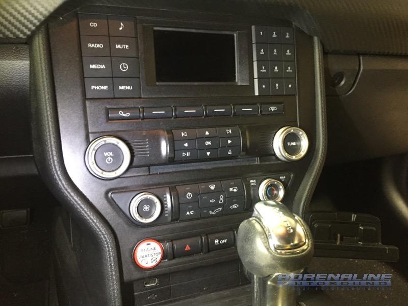 Mustang Le Carplay
